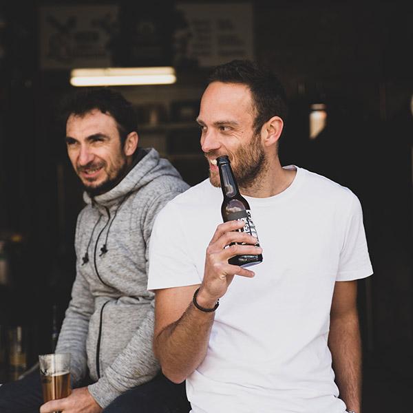 Benoit & Antoine devant l'ateliers - la Brasserie des Écluses